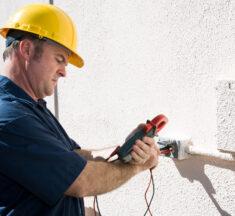 Derfor skal du altid hyre en elektriker til el-arbejde
