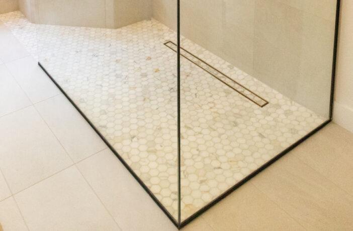 Opgrader badeværelset med et design gulvafløb.