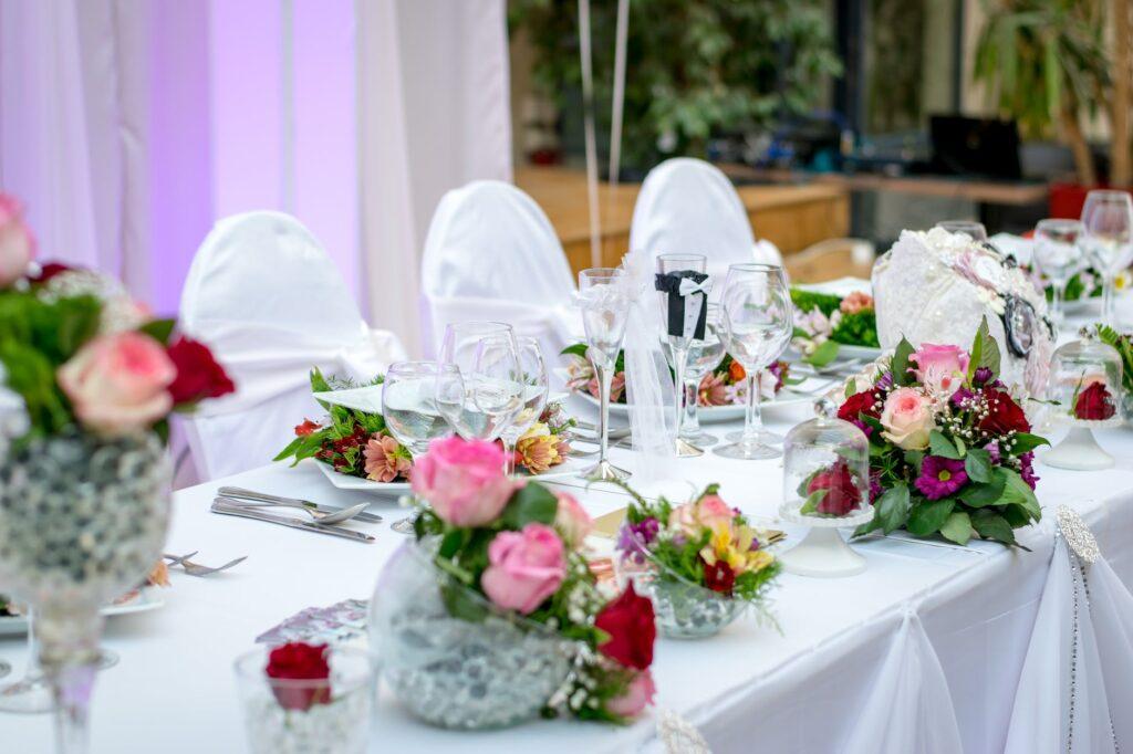 Blomster på spisebord